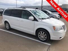 Bargain 2008 Chrysler Town & Country Touring Minivan/Van for sale in Brenham, TX