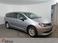 Used 2017 Chrysler Pacifica Touring Minivan/Van for sale in Shakopee