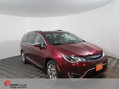 Used 2018 Chrysler Pacifica Limited Minivan/Van for sale in Shakopee