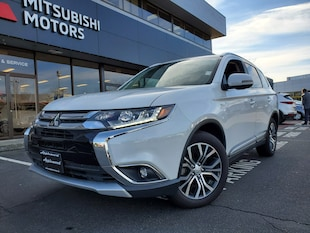 2018 Mitsubishi Outlander GT; NO ACCIDENTS! LOW KM! 6 MONTHS NO PAYMENTS! SUV