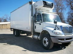 2010 INTERNATIONAL 4300 with 24' body & reefer