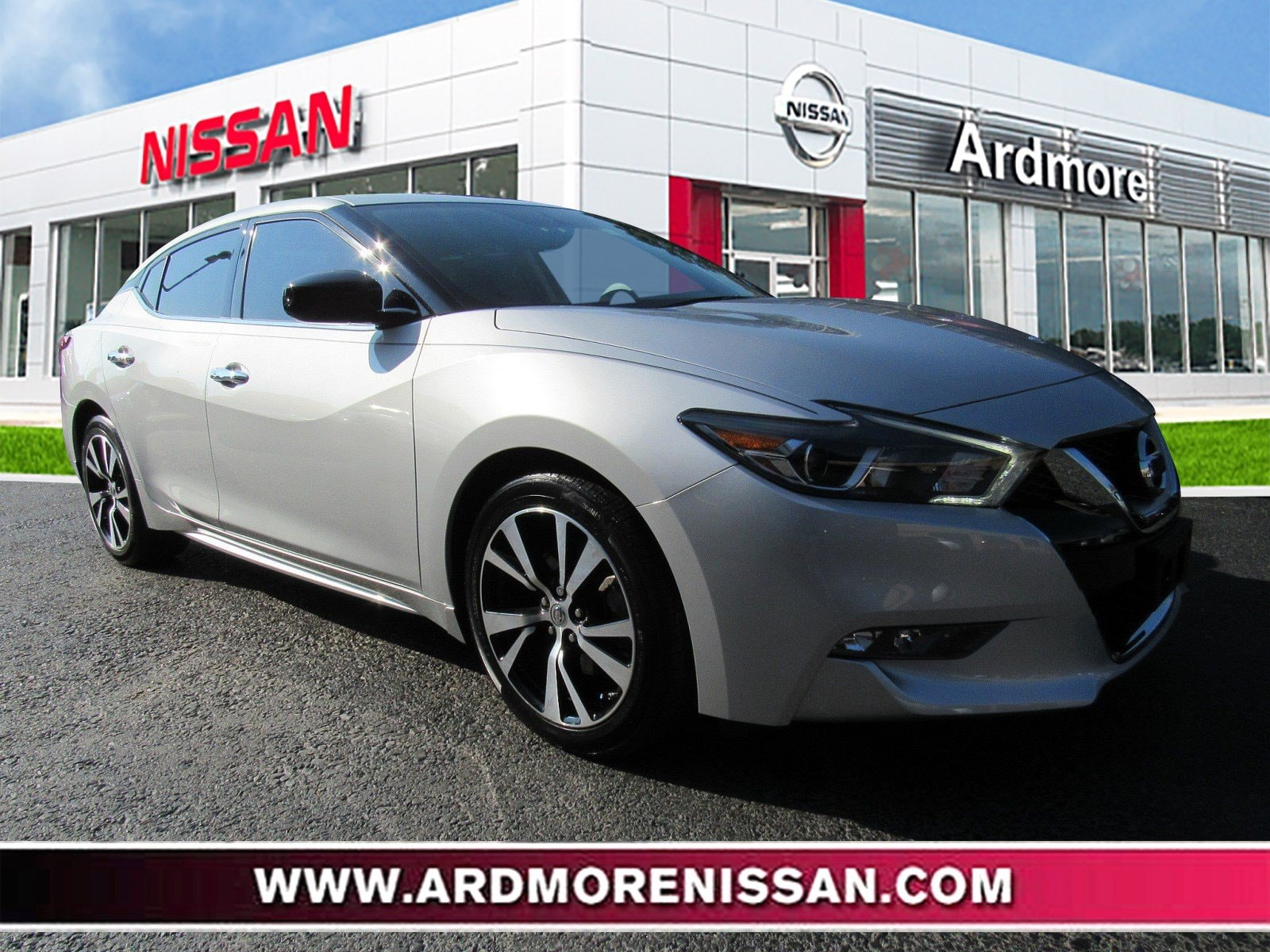 Nissan Maxima: Cleaning exterior