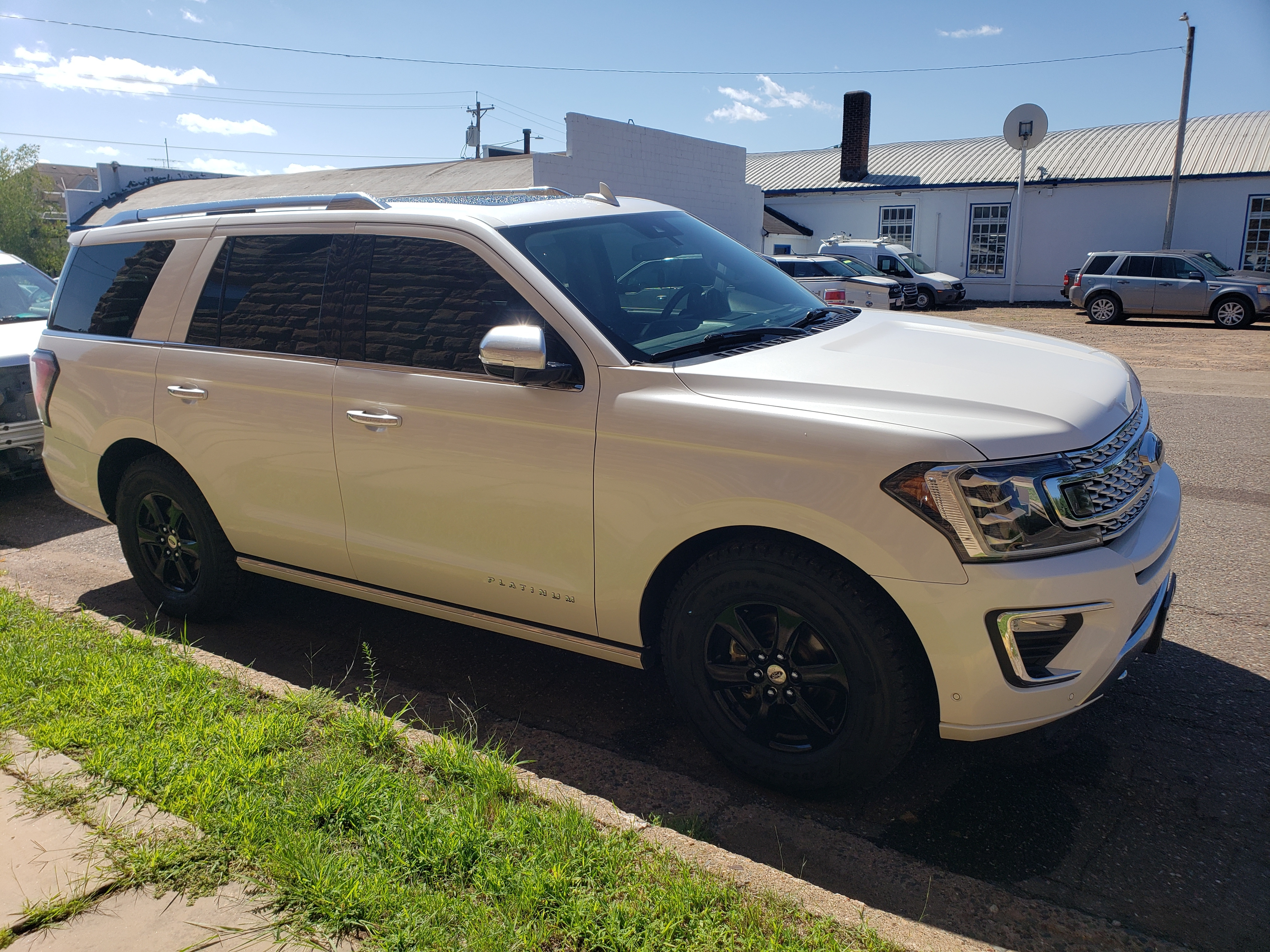 Used 2018 Ford Expedition Platinum with VIN 1FMJU1MTXJEA68308 for sale in Sandstone, Minnesota