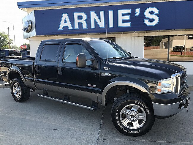 2005 Ford F350 4WD Lariat Full Size Truck