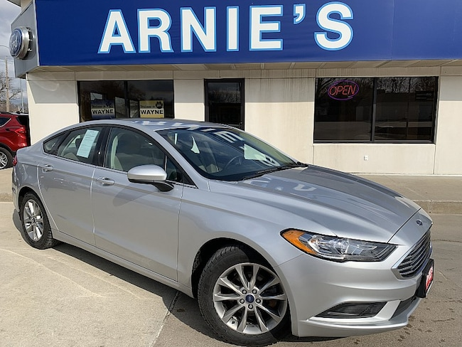 2017 Ford Fusion SE Mid-Size Car
