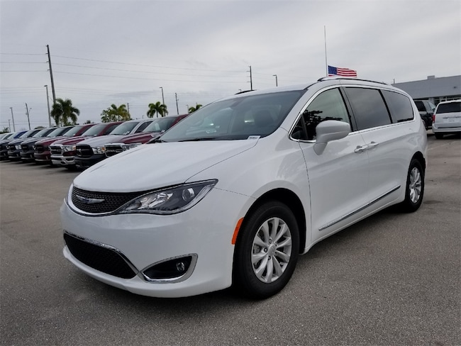 New 2018 Chrysler Pacifica TOURING L Passenger Van For Sale/Lease West Palm Beach, Florida