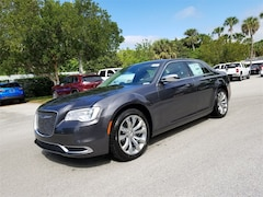2019 Chrysler 300 TOURING Sedan 2C3CCAAG7KH590786