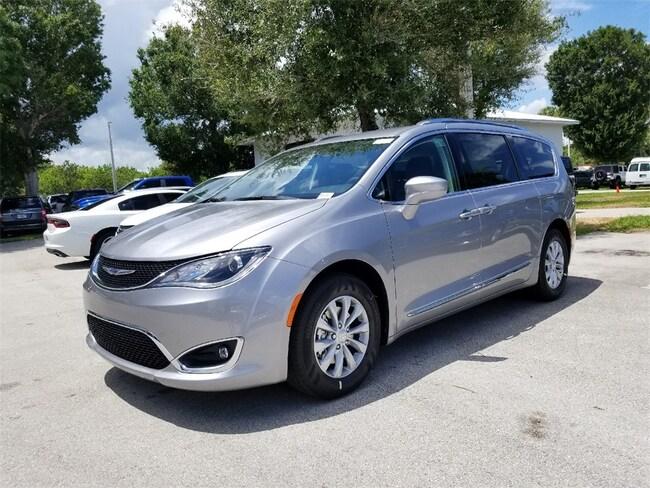 New 2018 Chrysler Pacifica TOURING L PLUS Passenger Van For Sale/Lease West Palm Beach, Florida