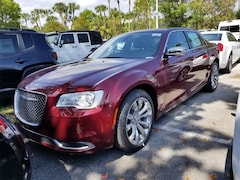 2019 Chrysler 300 TOURING Sedan 2C3CCAAG2KH590789