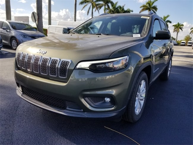New 2019 Jeep Cherokee LATITUDE FWD Sport Utility For Sale/Lease Tamarac, Florida