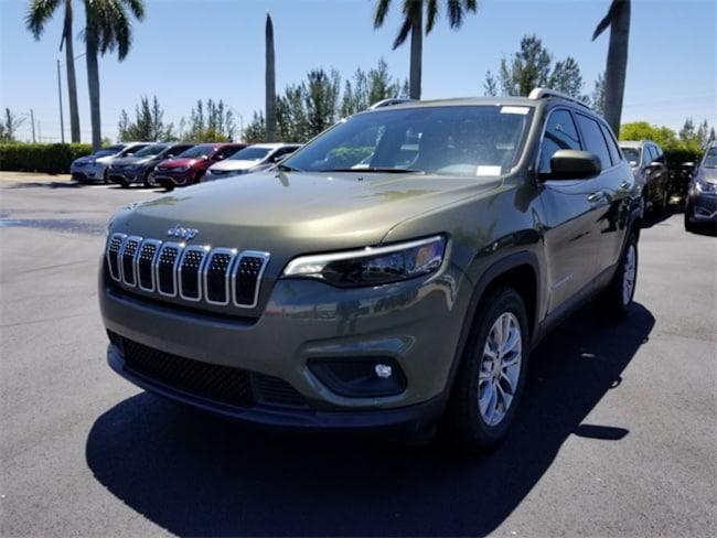 New 2019 Jeep Cherokee LATITUDE PLUS FWD Sport Utility For Sale/Lease Tamarac, Florida