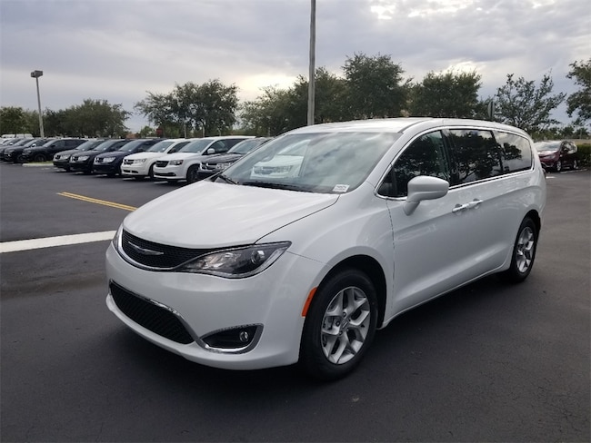 New 2019 Chrysler Pacifica TOURING PLUS Passenger Van For Sale/Lease Tamarac, Florida