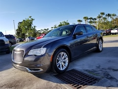 Used 2018 Chrysler 300 Touring Sedan 2C3CCAAG7JH121244 for Sale in West Palm Beach, FL