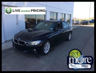 2014 BMW 320i xDrive LEATHER NAV AND MORE!! Sedan