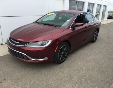 2016 Chrysler 200 Limited Reduced TO Clear!! Sedan