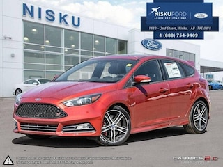 New 2018 Ford Focus ST - Leather Seats -  Package Hatchback in Nisku