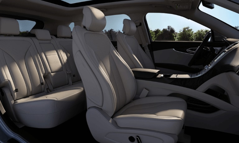 2019 Lincoln Nautilus inerior seating view