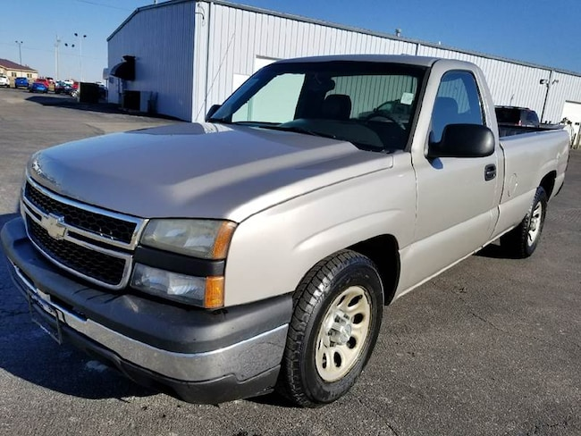 2006 Chevrolet Silverado 1500 Work Truck 2dr Regular Cab 8 ft. LB Pickup Truck