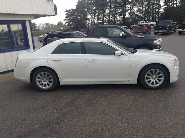 2013 Chrysler 300 Limited Sedan