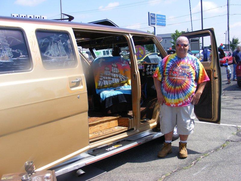 '72 Van - owned by Pete Guthre