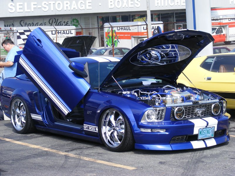 '05 Mustang GT - owned by Richard and Pat Hibbard