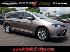2018 Chrysler Pacifica LIMITED Passenger Van for Sale in St Augustine FL