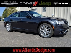 2019 Chrysler 300 TOURING L Sedan for Sale in St Augustine FL