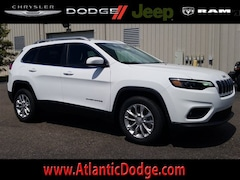 2019 Jeep Cherokee LATITUDE FWD Sport Utility for Sale in St Augustine FL