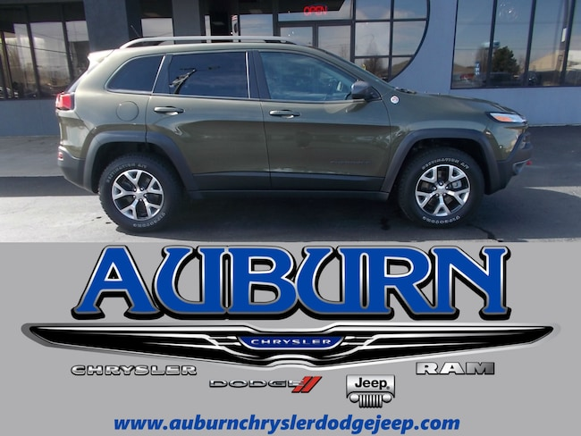 Used 2015 Jeep Cherokee Trailhawk 4x4 SUV for sale in Auburn, IN