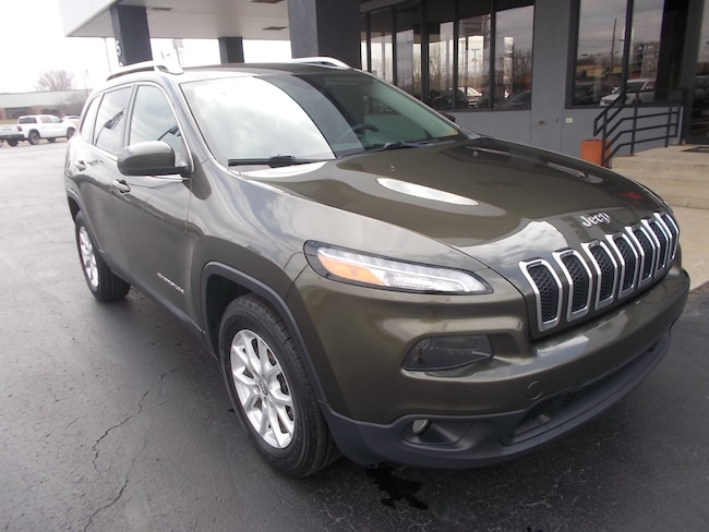 Used 2015 Jeep Cherokee Latitude 4x4 SUV for sale in Auburn, IN
