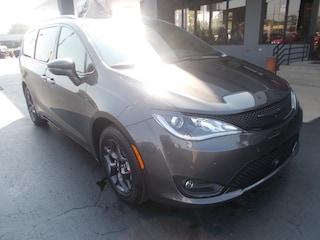 New 2019 Chrysler Pacifica LIMITED Passenger Van 2C4RC1GG1KR528338 for sale in Auburn, IN