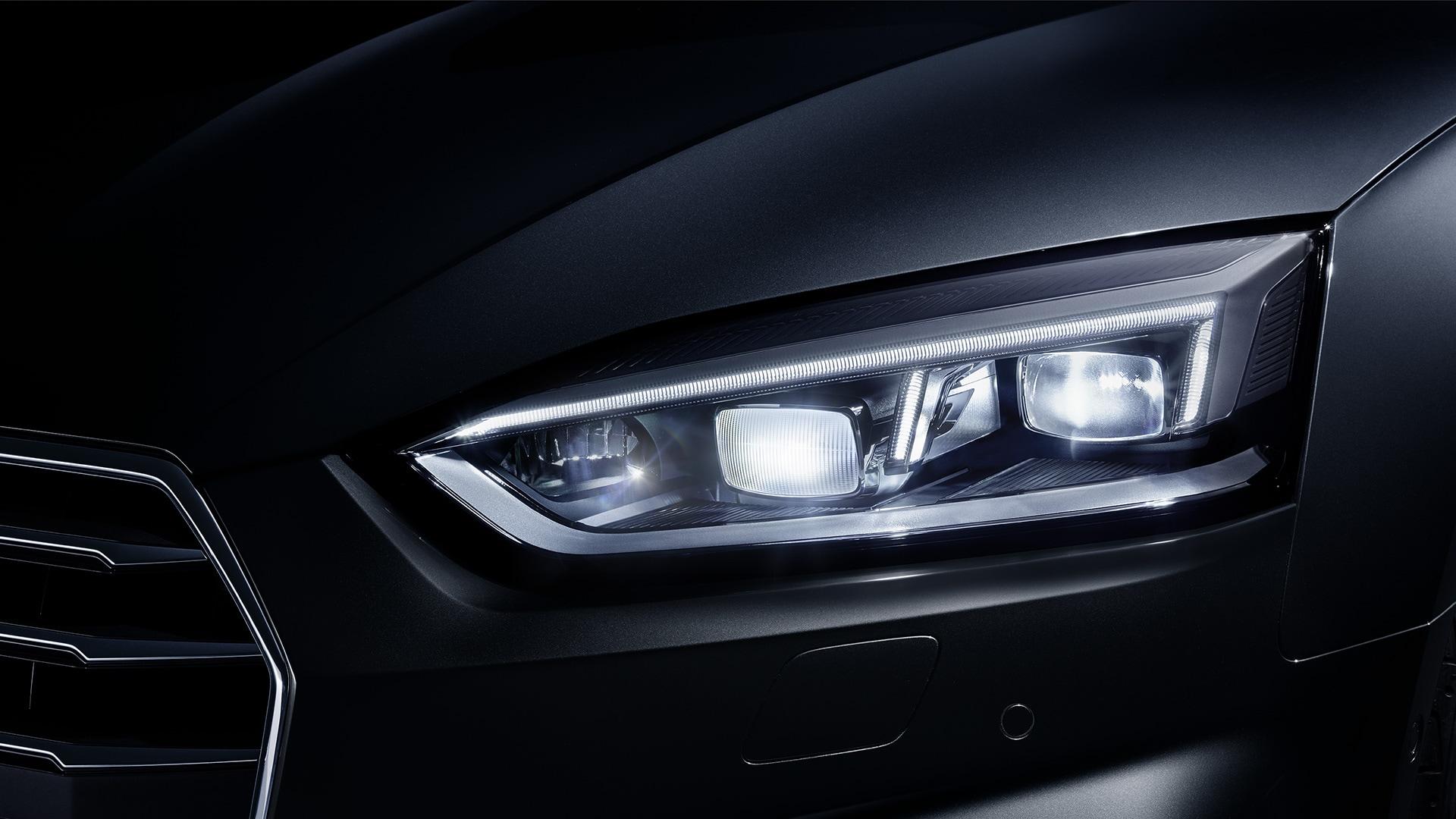 Bmw 430i Gran Coupé 2018 Vs Audi A5 Sportback 2018 à Blainville
