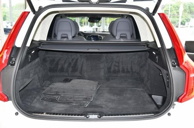 Used 2017 Volvo XC90 Hybrid For Sale | Burlington MA | VIN