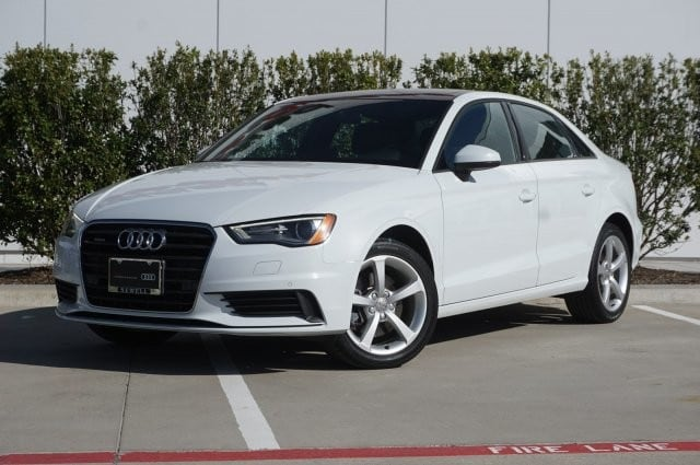 2016 Audi A3 2.0T Premium / Navigation / Heated Seats / Panoram Sedan