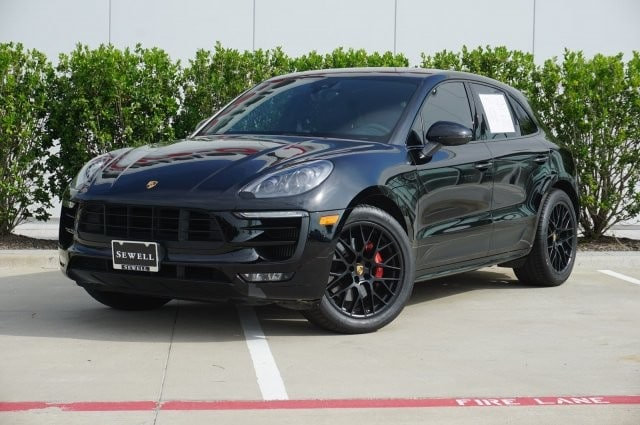 2017 Porsche Macan GTS / Premium Package Plus / GTS Interior Package SUV