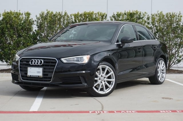 2016 Audi A3 2.0T Premium Plus / Technology Package / Quattro / Sedan