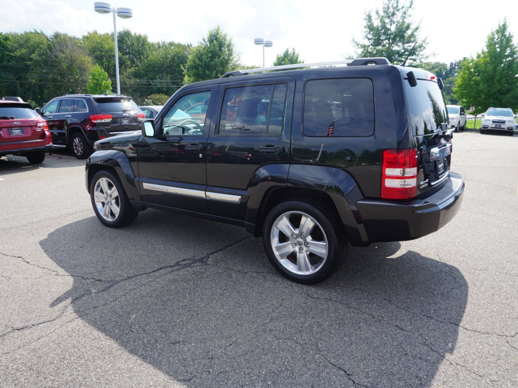 ... 2012 Jeep Liberty Jet Edition SUV ...