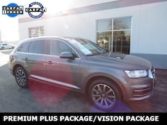 Pre-owned 2017 Audi Q7 3.0T Premium SUV for sale near Milwaukee