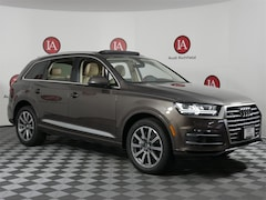 New 2018 Audi Q7 3.0T Premium Plus SUV JD049931 WA1LAAF73JD049931 for sale near Milwaukee