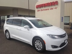 New 2019 Chrysler Pacifica TOURING L Passenger Van for sale in Herrin, IL