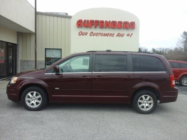 used 2008 Chrysler Town & Country Touring Van in herrin IL