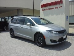 New 2018 Chrysler Pacifica TOURING L PLUS Passenger Van for sale in Herrin, IL