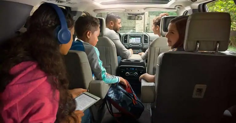 Family using Ford Sync Wifi