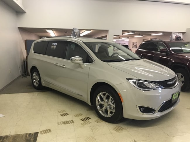 2017 Chrysler Pacifica Limited Wagon