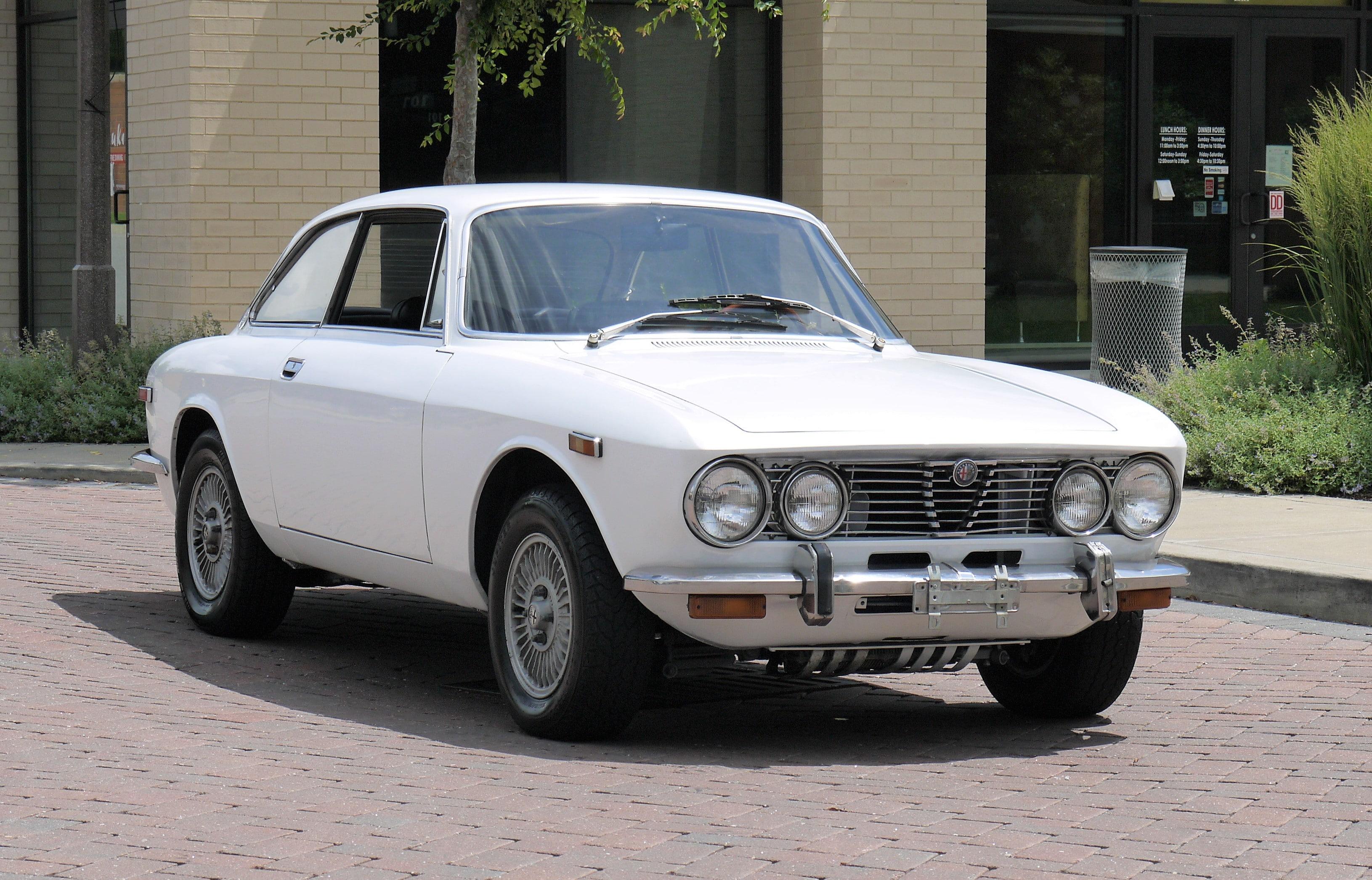 1974 Alfa Romeo 2000 GT Veloce Coupe