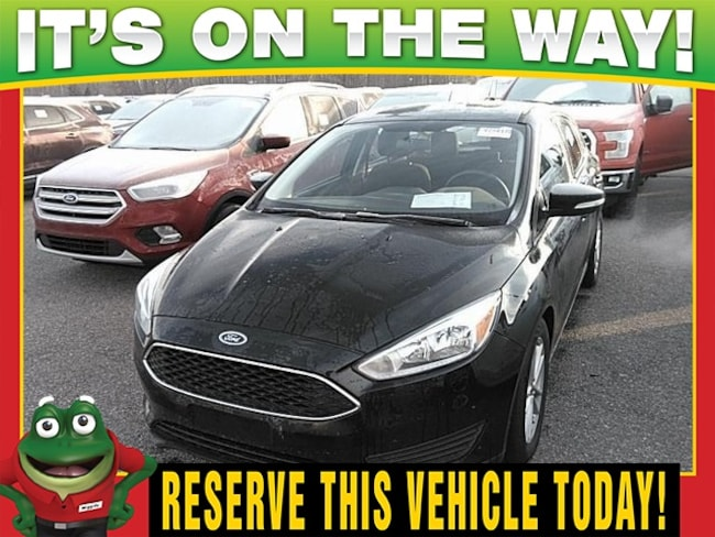 2015 Ford Focus SE  - BACK UP CAMERA - HEATED SEATS Hatchback