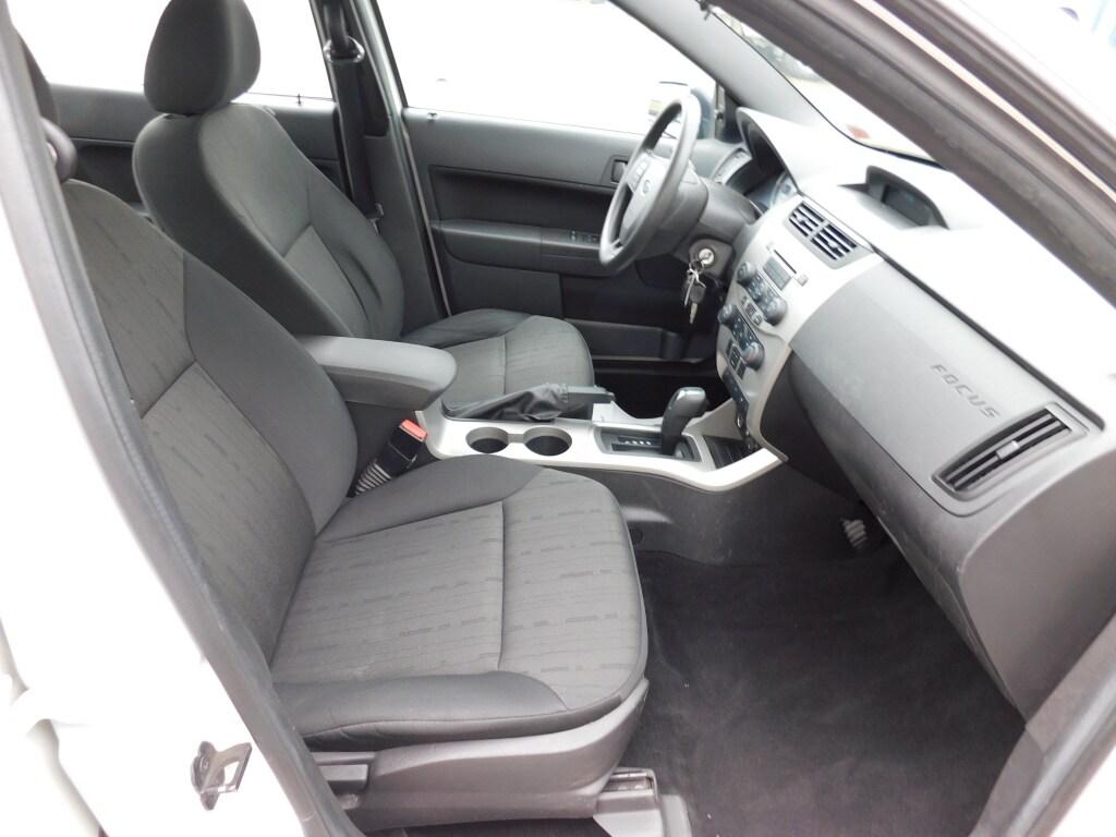 2011 Ford Focus 4dr Car