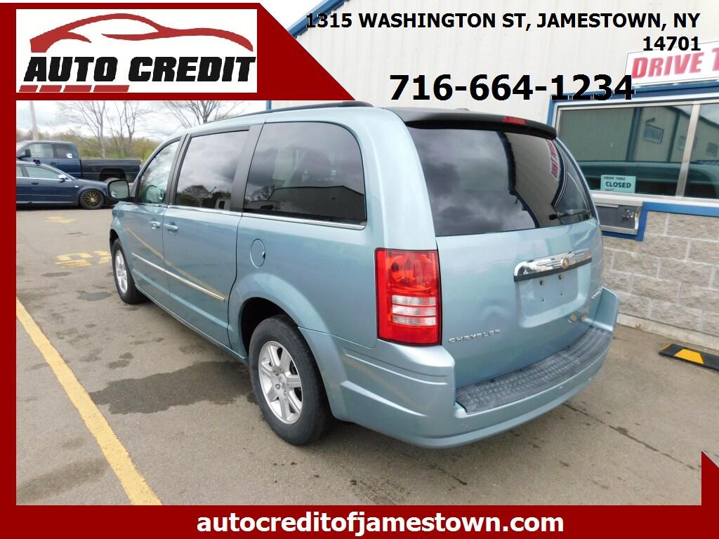 2010 Chrysler Town & Country Mini-van, Passenger