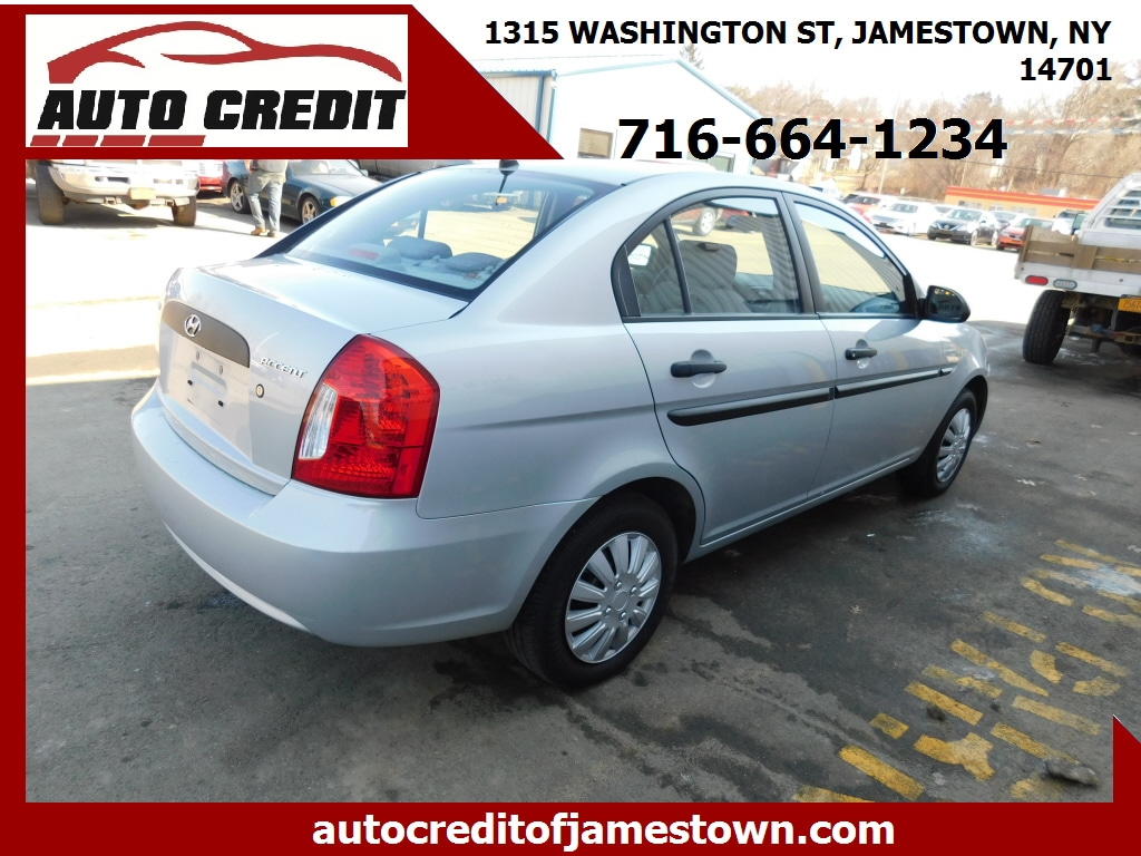 2009 Hyundai Accent 4dr Car