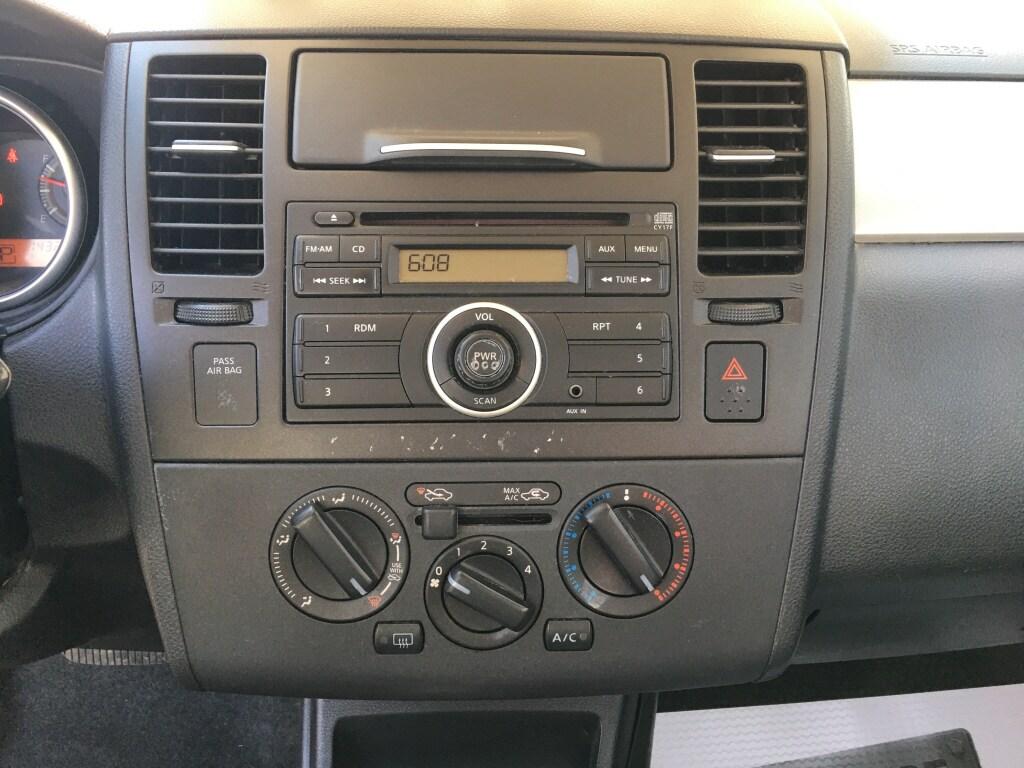 2011 Nissan Versa Hatchback